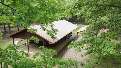 """1 bd/1ba """"cabin in the woods"""" privacy, safety ."""