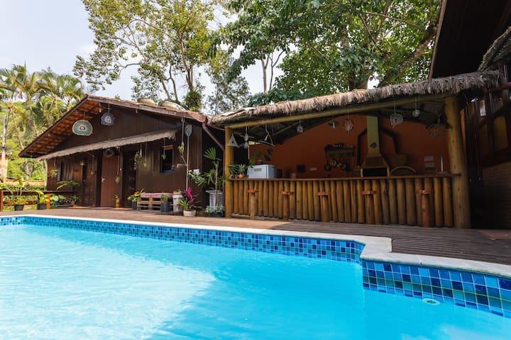 Cama em quarto compartilhado - casa c piscina #2