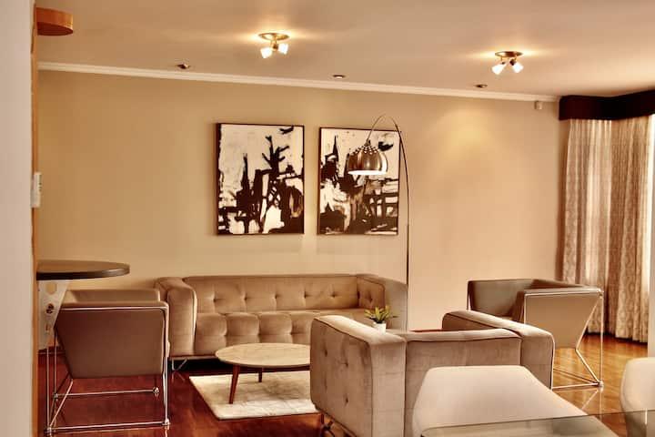 Vista Grande - Spacious and  elegant entire floor.
