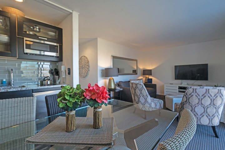 East Hampton Hotel Resort, Deluxe One Bdrm Studio