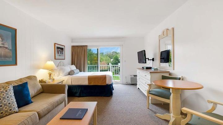 East Hampton Hotel Resort, Studio with Kitchen