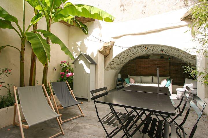 La Maison Rose, in Grignan