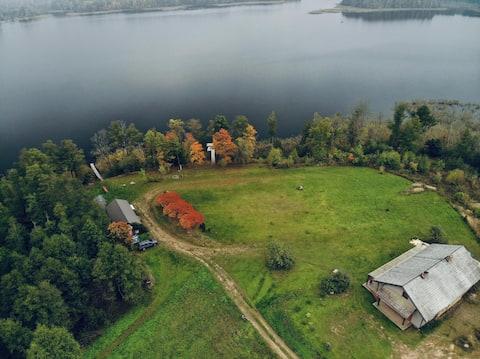 Medumi Lake Villa