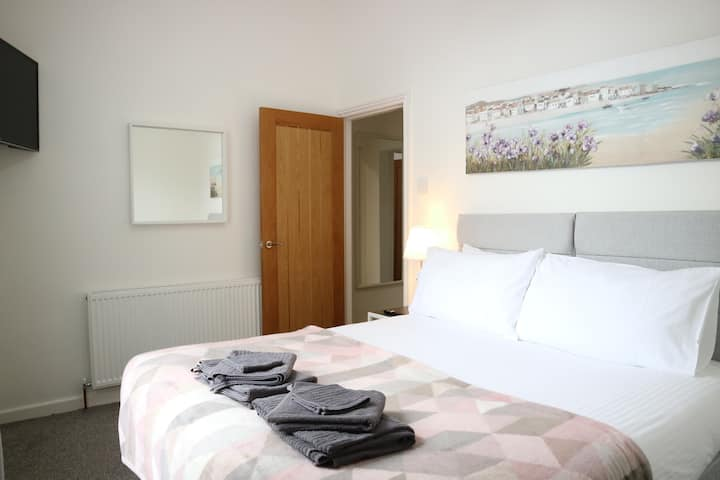 Luxury 2 Bedroom Holiday Home in Southport