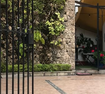BELLO MINI-DEPA TIPO CASITA EN MIRAFLORES/AURORA