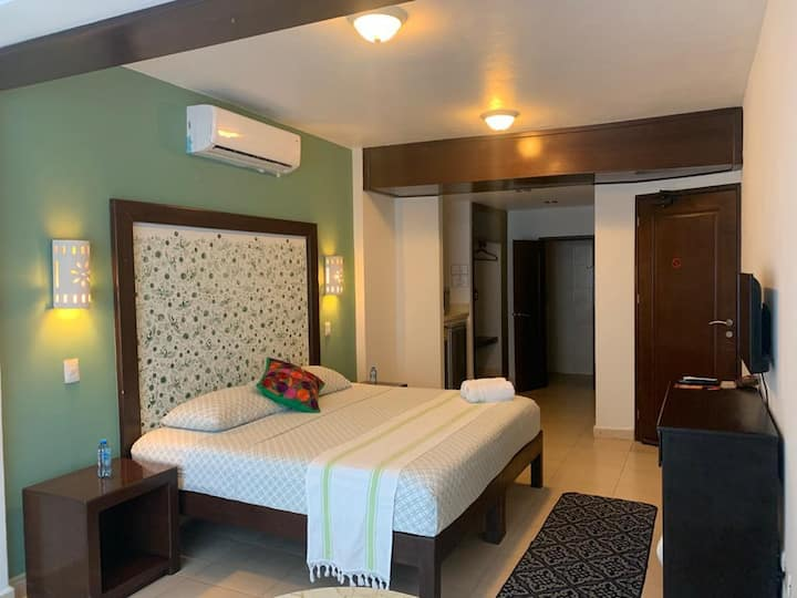 Deluxe Room  in the heart of isla mujeres