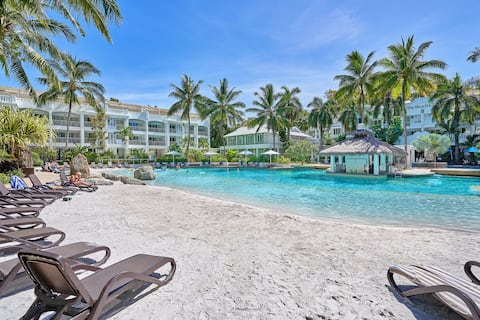 Luxury Living at Famed Peppers Beach Club & Spa