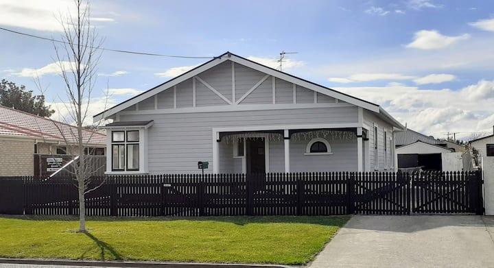 Te Waiharakeke Villa ***Special December Rate***