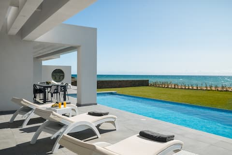 Lux  Seafront Villa-Private-Pool-Jacuzzi-Playarea.