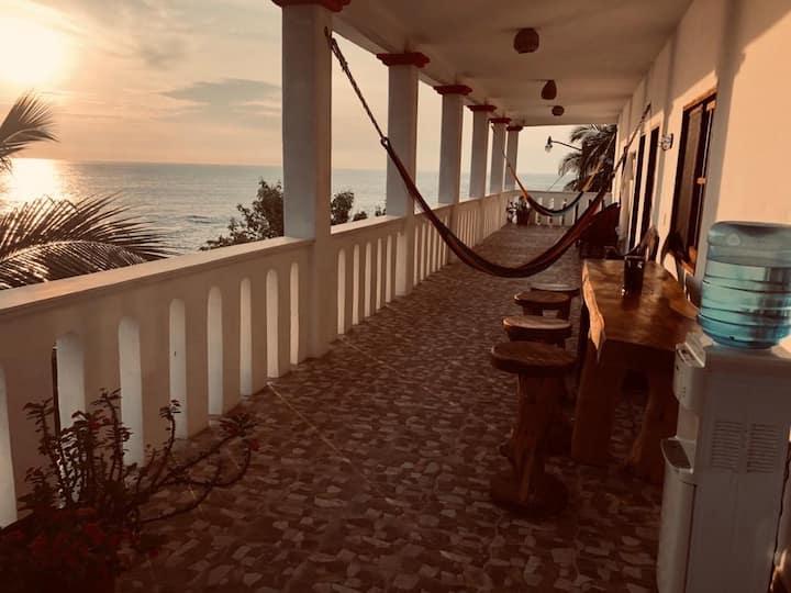 Casa El Delfin, 2nd Floor (Apt. 2) - Estacahuite