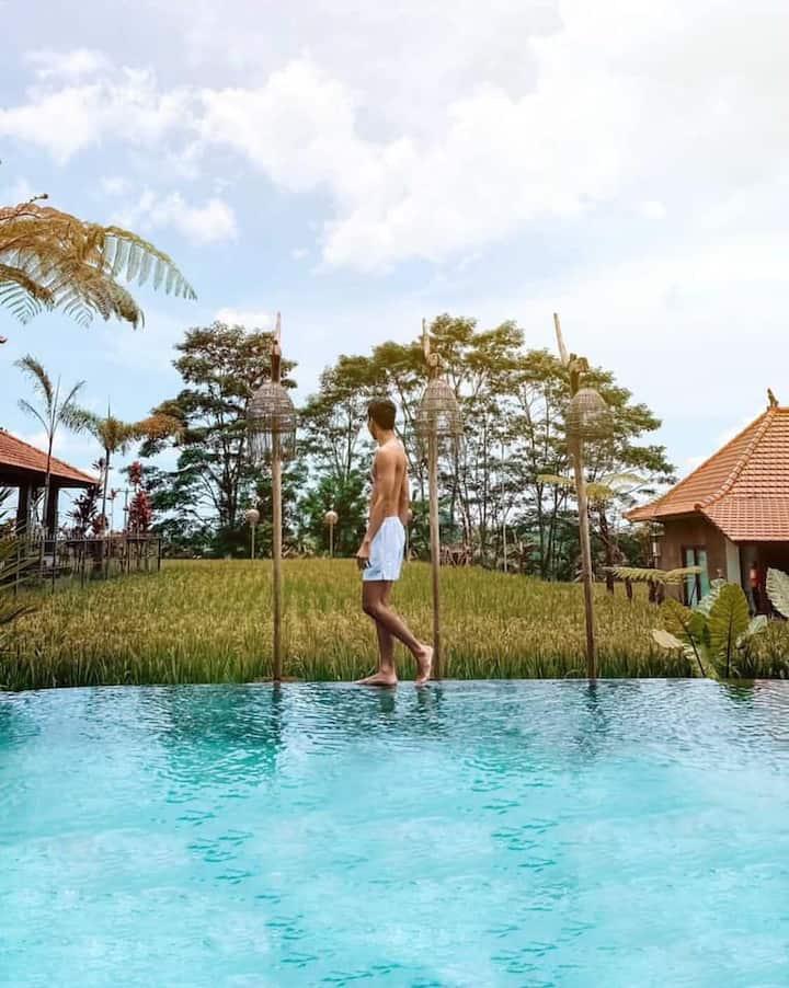 1BR Wooden Villa surrounding Balinese Rice Fields