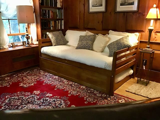 Daybed with trundle (in Library)