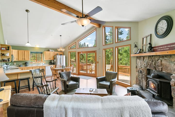 Fabulous Home in Pike National Forest