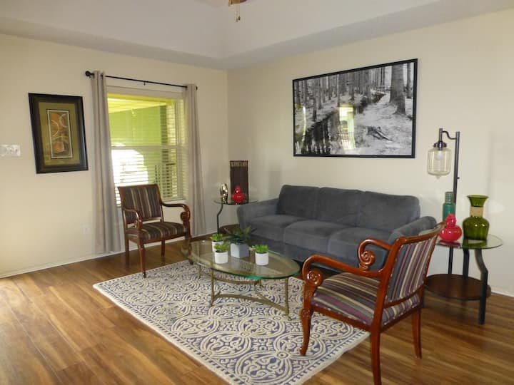 Corporate Furnished Apartment (C) Month To Month.