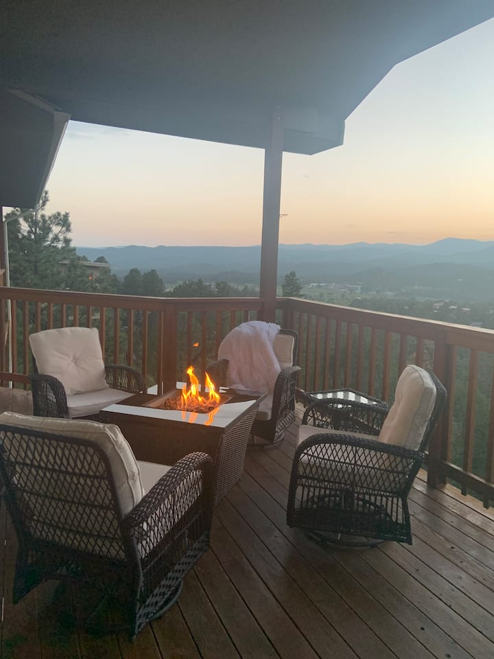 Relaxation or work from home - Magnificant VIEWS!