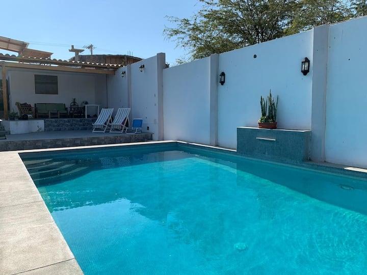 EXCELENTE Casa de Playa con PISCINA - Colan. Piura