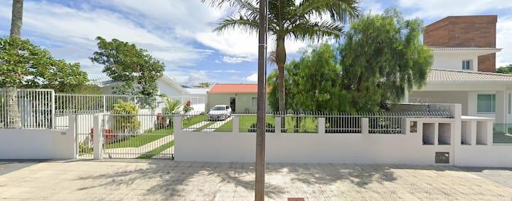 Casa na Daniela - 50 metros da Praia