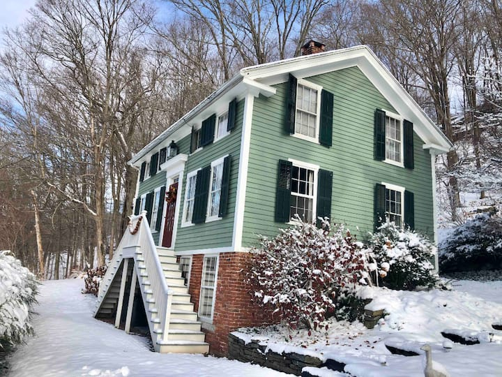 Circa 1830 House in Historic District -River Views