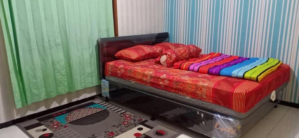 Kamar tidur 2 lantai 1