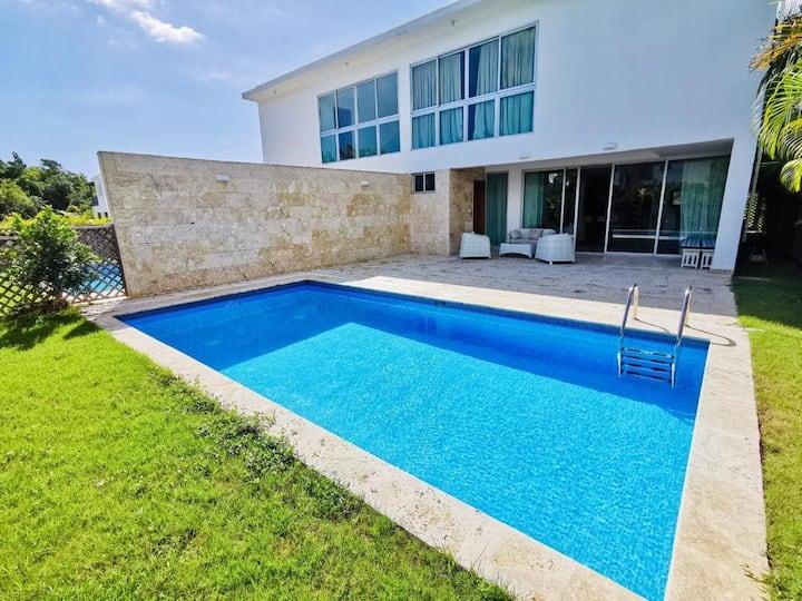 Exclusive Villa In Playa Nueva Romana