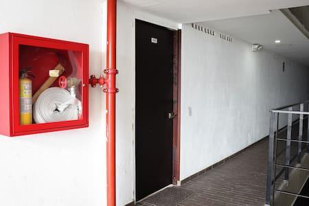 Вхід до кімнати без сходинок