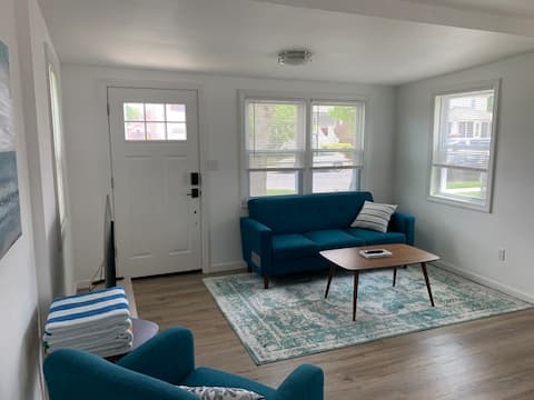 Newly Renovated Cottage 3.5 Blocks From Beach