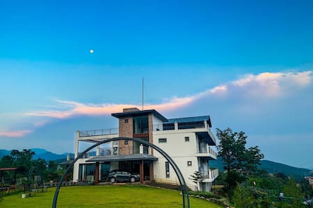 DragonflyCobalt-Luxury stay in Mussoorie foothills