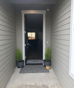 Zero steps to enter or inside the home