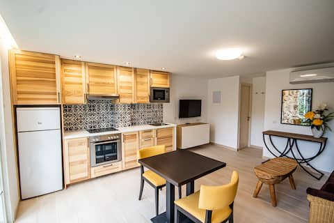 Eden 1 bedroom Apartment with Balcony or Terrace