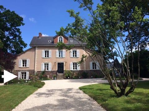 Studio indépendant maison XIXème 20 min de Rennes