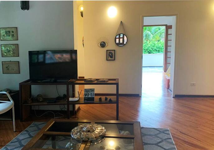 sala intima de tv e jogos andar superior,  próximo aos quartos