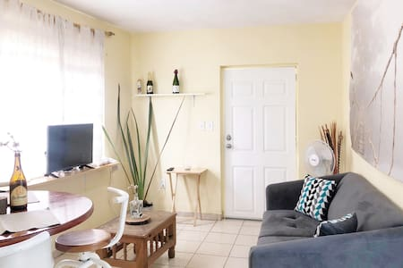 Apartment Nearby the Main Plaza! w/ WiFi!