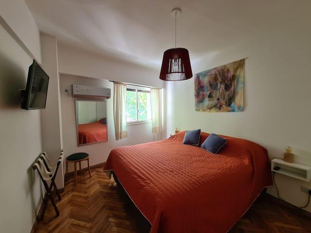 Dormitorio Cama Super King 1.80m por 2.00m