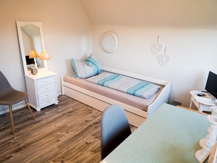 Gemütliches Zimmer mitten in Bad Bramstedt