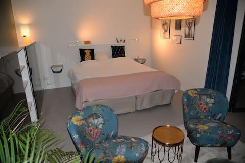 Spacious private room in trendy loft