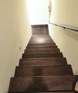 There are 18 steps to climb up to the Guest Suite.
