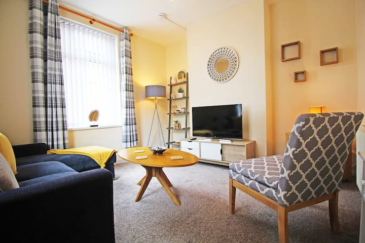 ⭐️STUNNING 3-BED HOME⭐️IDEAL FOR GROUPS⭐️SLEEPS 7