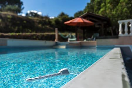 chambres privees dans villa avec piscine