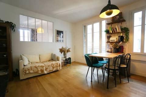 Charming flat near Montmartre