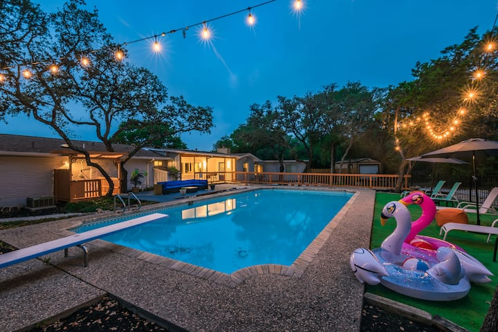 Luxury House by Fiesta Texas & Seaworld w/ POOL