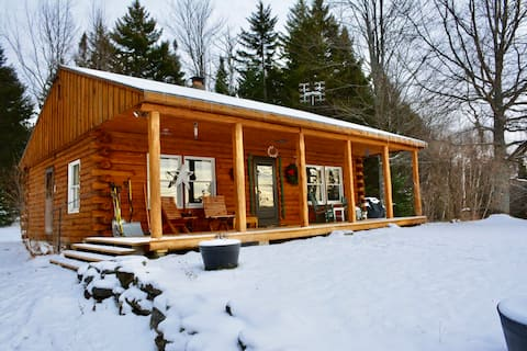 Meadow Woods Cabin, private, cozy and unconnected