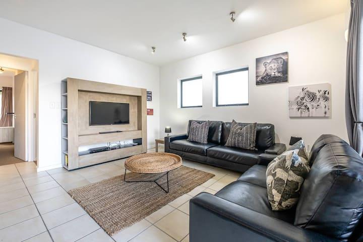 Knysna spacious affordable modern Apartment