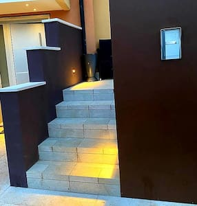 Gradini d'ingresso con luce crepuspolare - Entrance stair with crepuscolar light