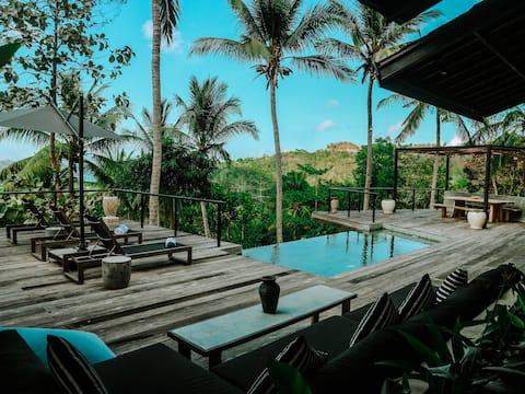 Villa Kanan - Luxury Seaview Villa in the Jungle
