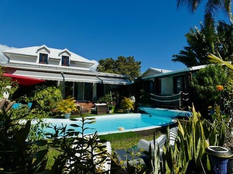 Le Lodge, studio indépendant avec accès piscine