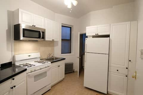 HK New York 2 Bedroom Apt in the Heart of it All