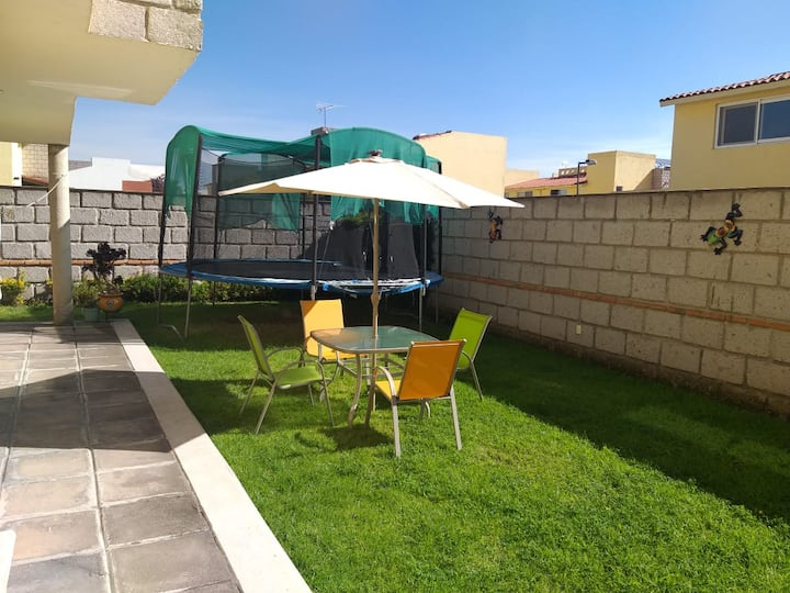 Metepec Casa familiar con hermoso jardin.