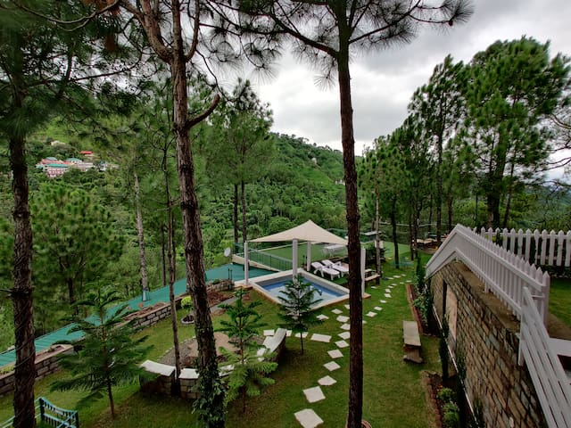 Jasmine's Cottage - Luxury mountain view villa