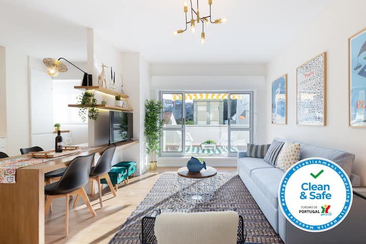 Luxurious Flat w/ Stunning Terrace by Host Wise