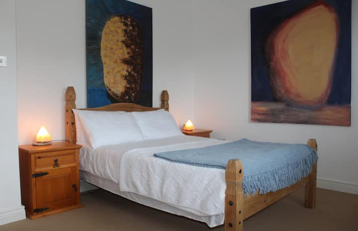 Room No 1 SolasTobann ArtHouse & Accommodation